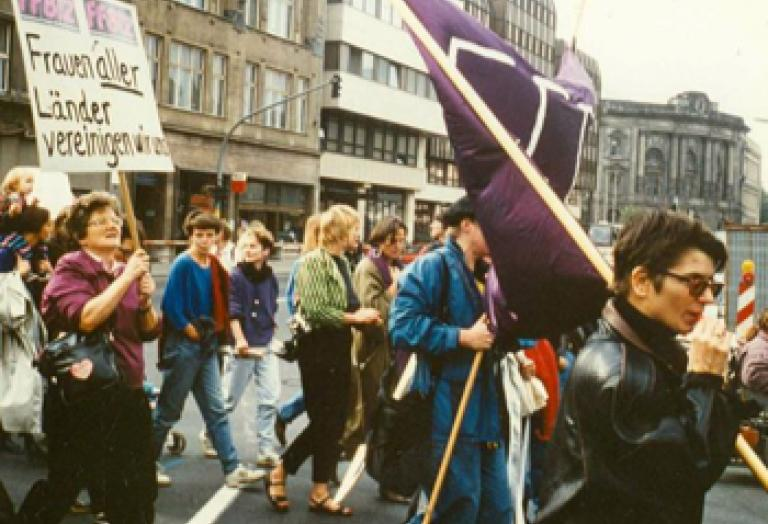 Ost-West-Frauendemonstration im Herbst 1990 in Berlin